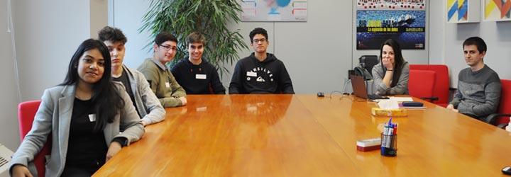 Visita alumnos al IIC